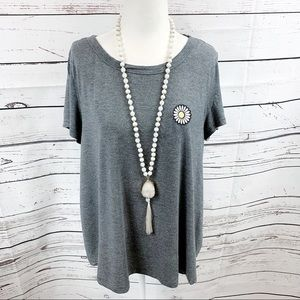 American Eagle Soft & Sexy Gray Daisy Tee - LARGE